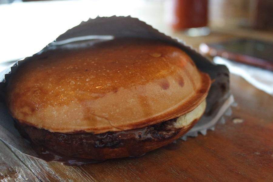 Brurger'n Cream tem Nutella, sorvete de chocolate artesanal e crocante de amêndoas dentro do brioche