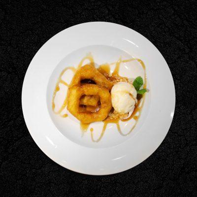 Picarones com mel de rapadura e sorvete de tapioca