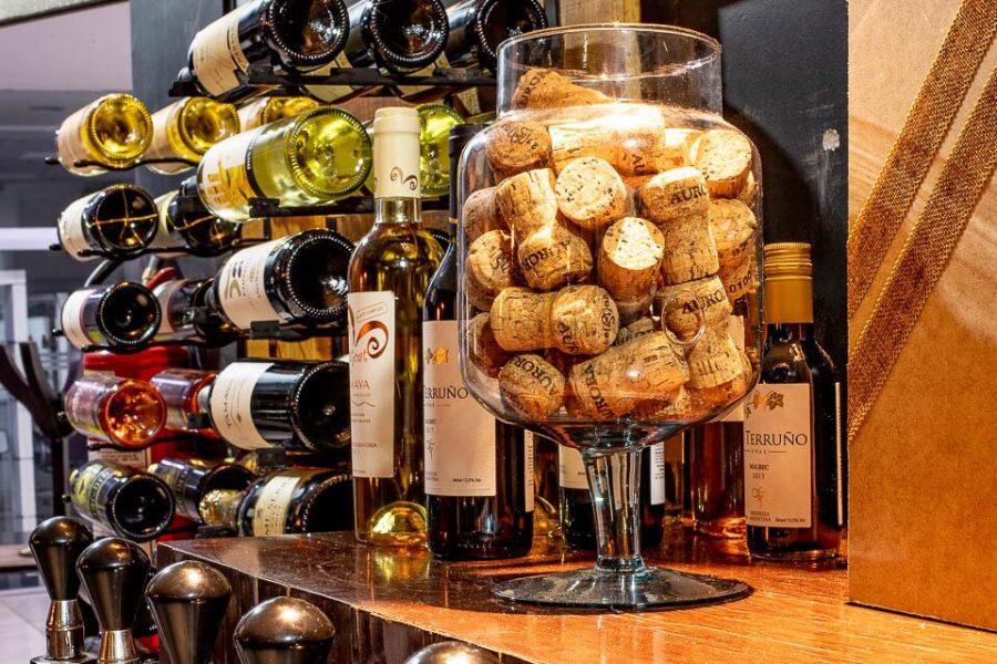 La Cave Wine Bar abre delivery em Águas Claras