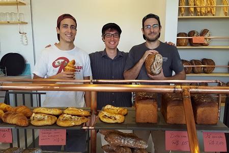 Castália: a padaria que acaba de sair do forno