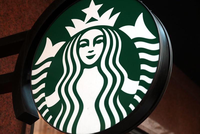 Starbucks abre loja no Conjunto Nacional